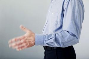 Почему дрожат руки и методы избавления от проблемы