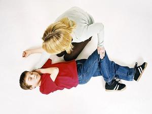 Действия для оказания первой помощи ребёнку при эпилепсии