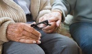 Дрожание рук у пожилых людей - лечение