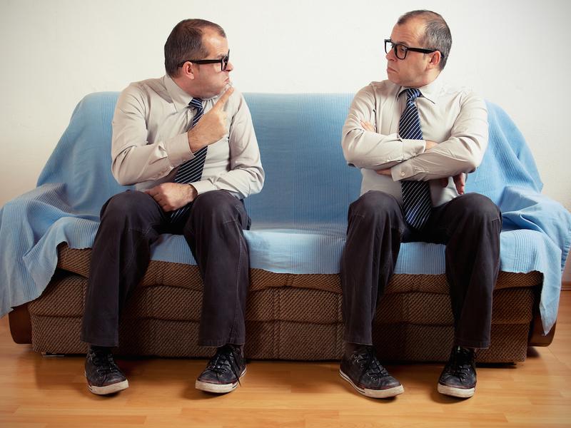 Люди с расстройством личности беседут сами с собой