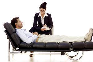Какие заболевания лечит психиатр и психолог