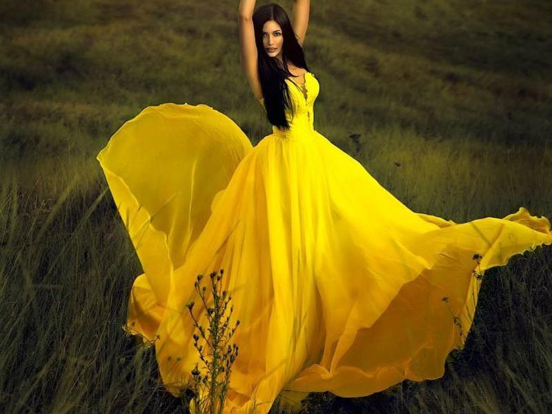 Платья из шелка подчеркнут вашу женственость